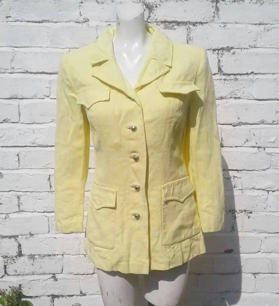 Sale stylish 1950s volup pale yellow moygashel lig