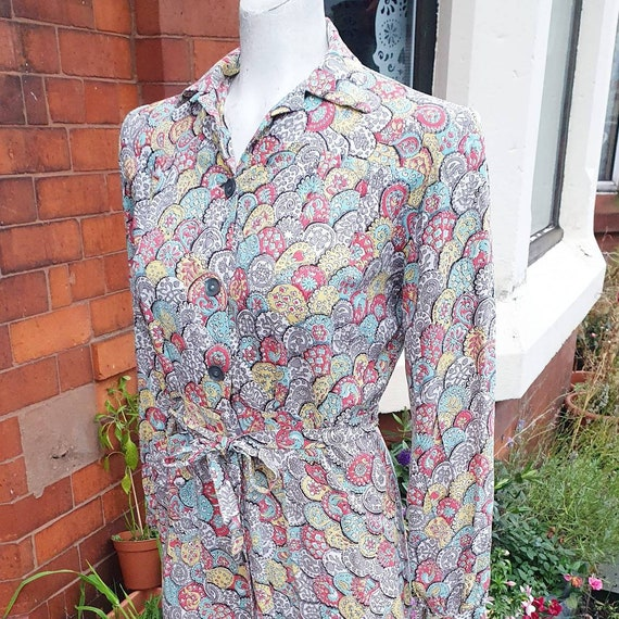 Cute colourful 1930s 40s blue yellow grey white or