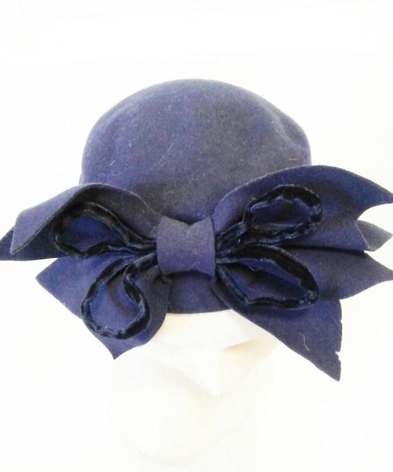 Amazing 1930s 40s purple tilt hat with huge velve… - image 6