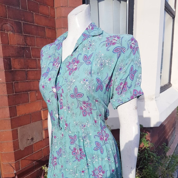 Colourful light turquoise mint 1940s volup floppy