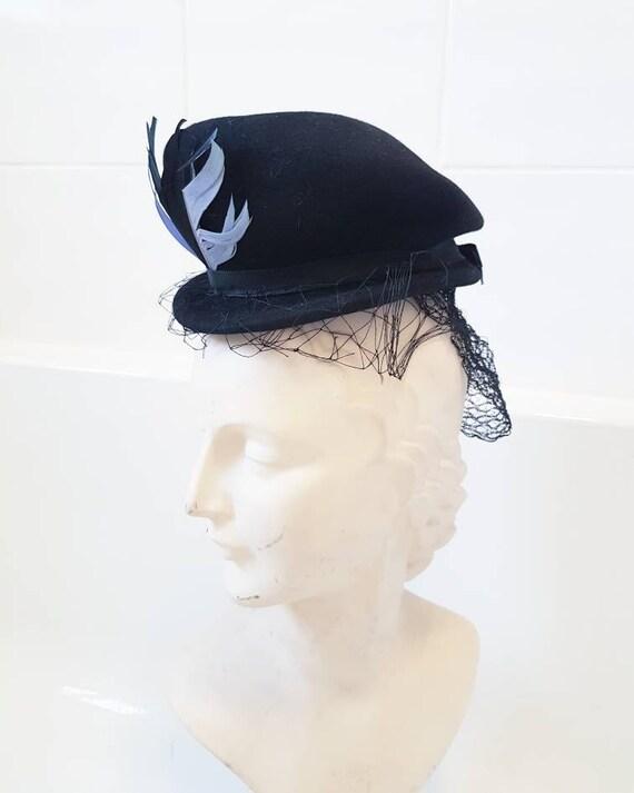Sale stylish 1930s 40s black felt tilt with feathe