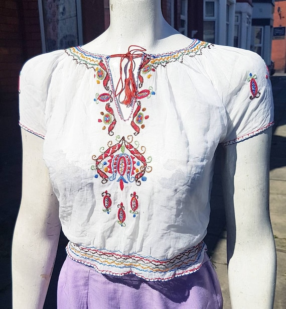 Beautiful 1930s 40s eastern european hand embroide