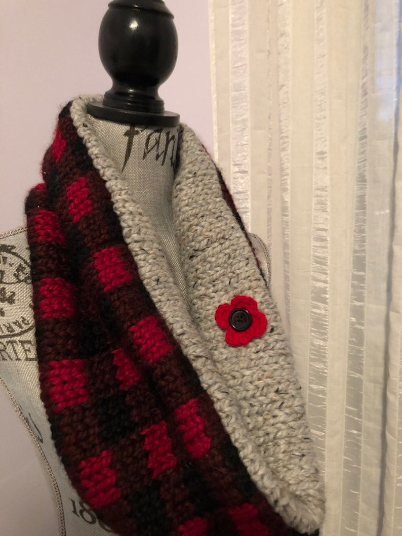 November 11 Remembrance Day Crocheted Poppy Brooch Veteran
