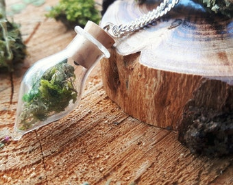 Woodland Necklace, Terrarium Necklace, Botanical Necklace, Nature Lover Gift, Real Moss Pendant, Glass Pendant, Christmas Gift