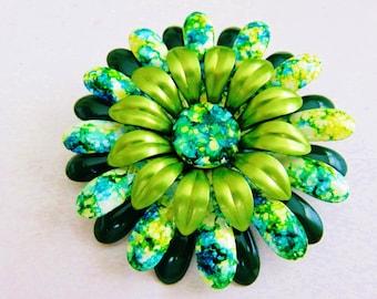 Groovy Green Tie Dyed Flower Power Metal Brooch Pin