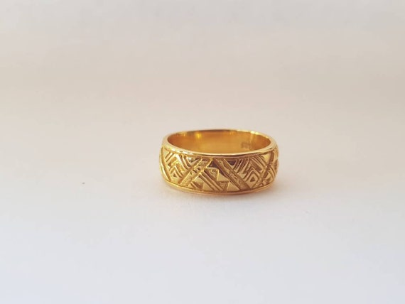 Filigree gold love ring Gift for her. Maori kowhaiwhai inspired design handcarved band ring