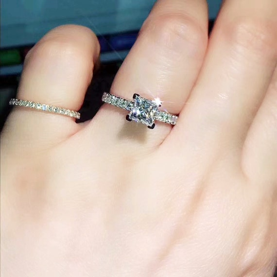 1 Carat Princess Cut Solitaire Engagement Ring With Pave Side Etsy