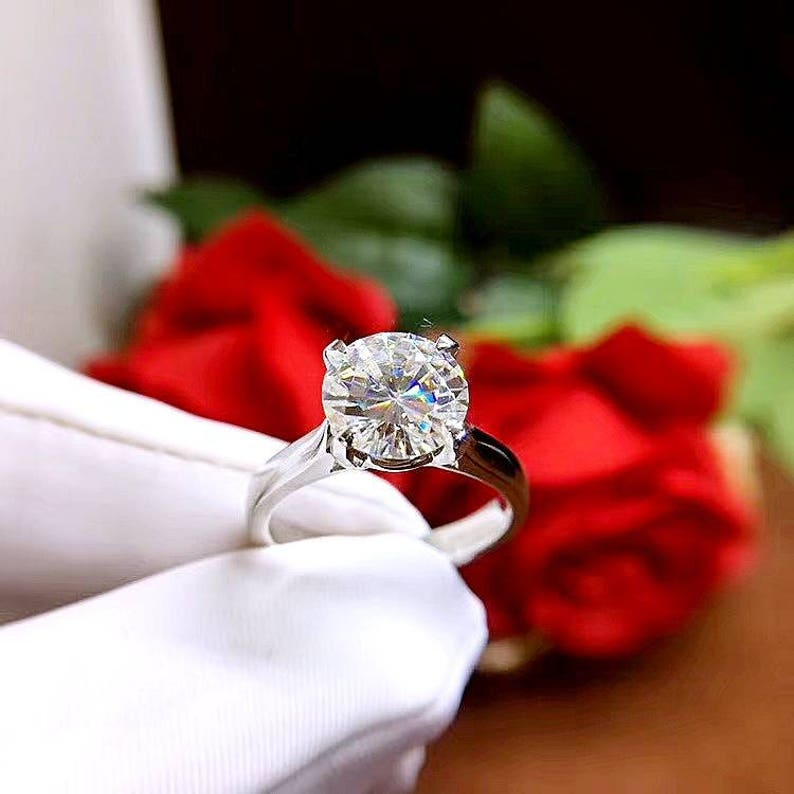9 mm Anniversary Ring Man Made Diamond 3 Carat 3 Carat Silver Alternative Ring Round Cut 4-prongs Solitaire Engagement Ring