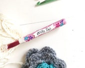 Personalized Name Crochet hook Mothers gift Crochet hook Floral Design Crochet supplies Custom crochet hook Polymer clay hook Gift for her