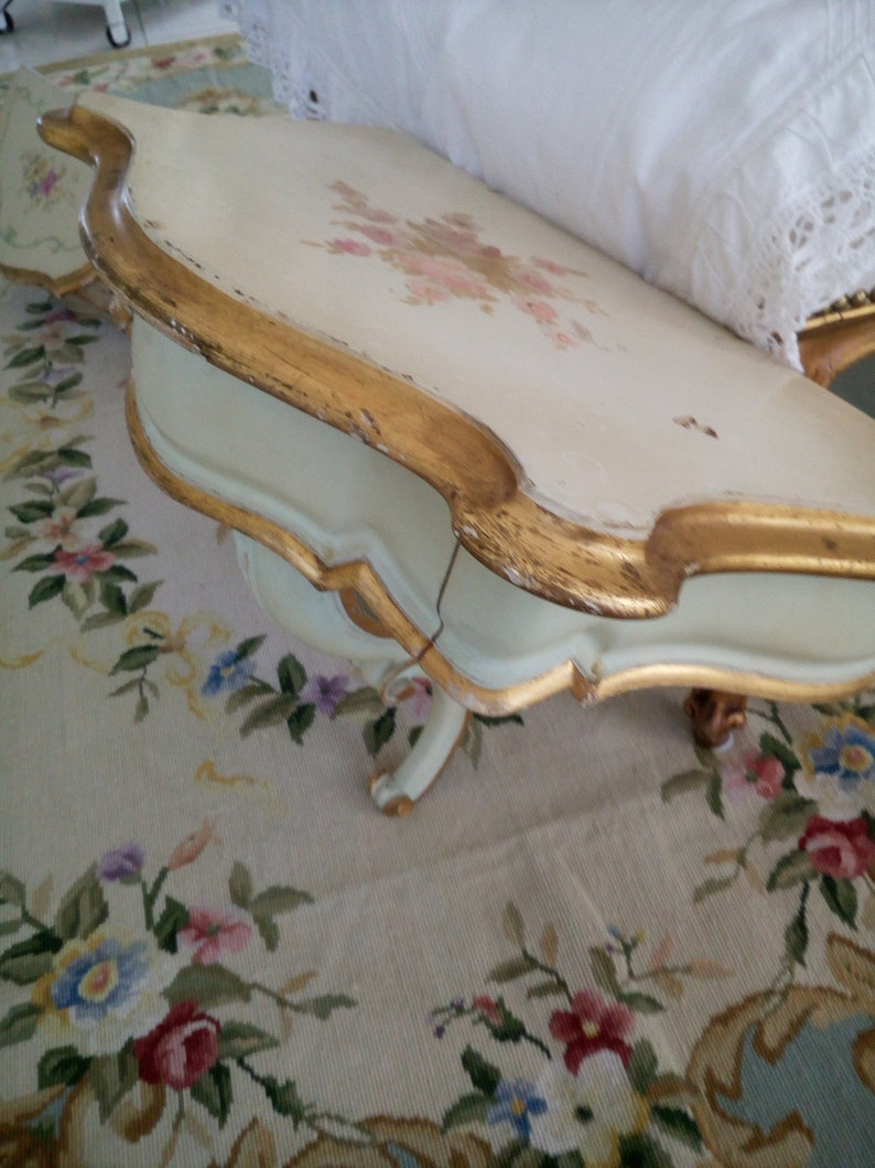 Venetian laquered,hand painted console table,Louis XV style curved leg italian furniture,shabby cottage chic,florentine funiture,soft colors
