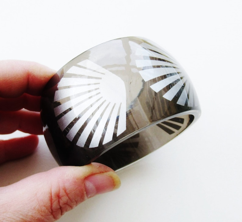 Shell Bangle Extra Chunky Resin Cuff Silver /& Smokey Grey Lucite Plastic