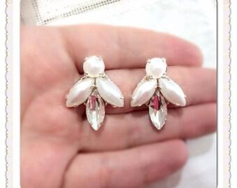 earrings // white Earrings // drop earrings // bride earrings // Bridesmaid earrings  // wedding earrings // filigree earrings // bridal