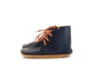 desert boots / black