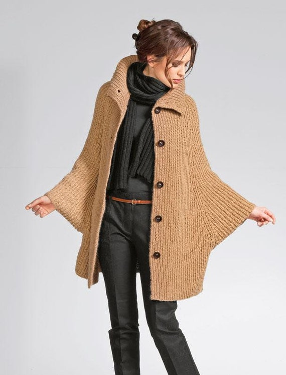 Poncho suéter de las mujeres de lana alpaca tejido a mano  547a6a9a88af