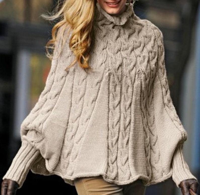 f8ec332773c Tricoté main Poncho avec manches pour les femmes pull cape