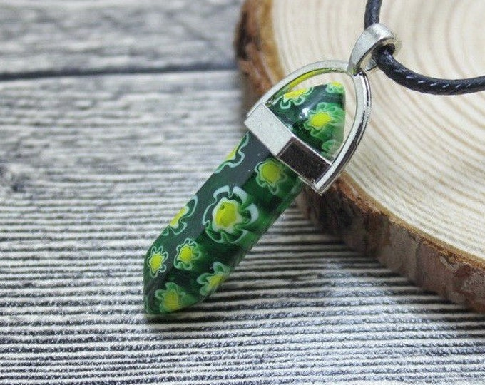 Green Flower Stripped Grain Colored Quartz Crystal for Chakra Healing a Gemstone in Silver Pendant Necklace