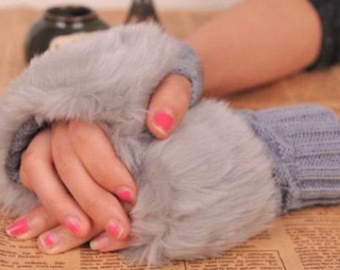 Gray Light Yarn & Fur Fingerless Gloves