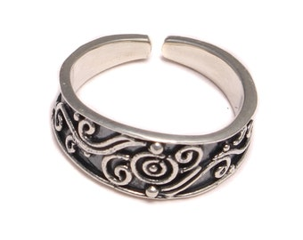 Patterned round open-toe ring (in real 925 sterling silver)