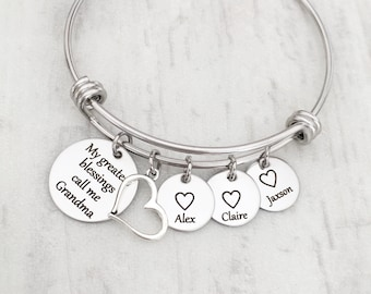 78374c9e8 Personalized Mom and Grandma Mother's Day Charm Bracelet - My Greatest  Blessings Call Me (Name) with Grandkids Heart Name Tag & Heart Charm