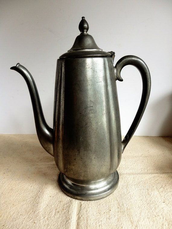 Vintage Crescent Pewter tetera. Cafetera De pewter.