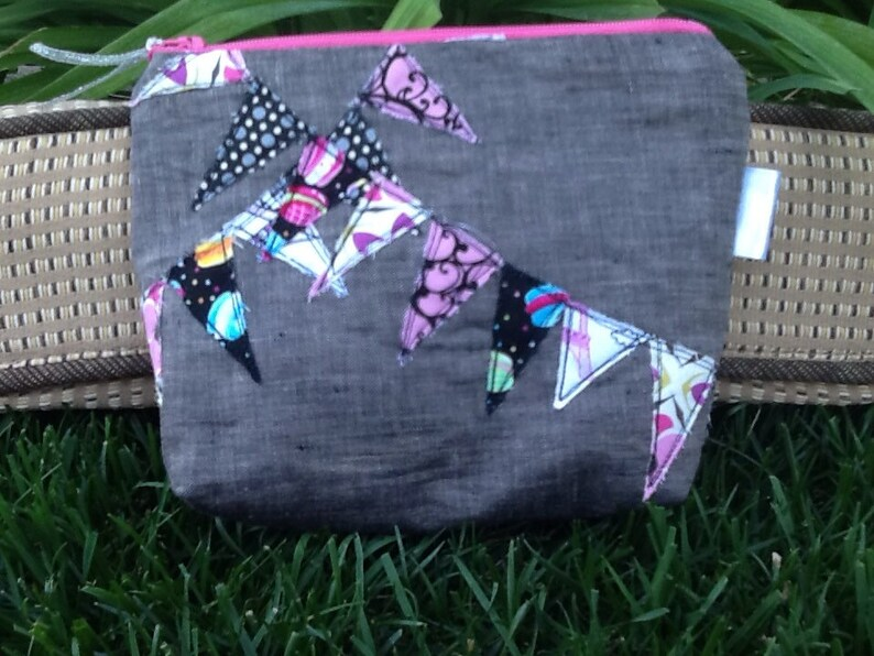 Bunting zippered bag