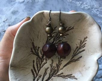 Vintage handmade wood beaded dangle earrings/brown earrings/bronze beaded earrings