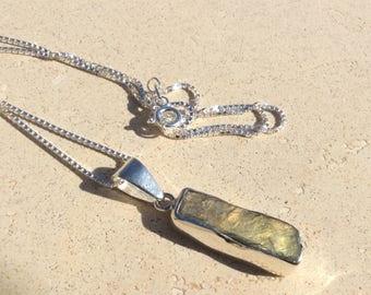 Gemstone Necklace, Raw Labradorite Silver Necklace, Rough Labradorite Silver Pendant Necklace, Gemstone Silver Pendant, Silver Necklace