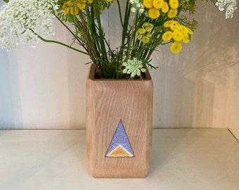 Embroidery-Inlaid Wooden Vase