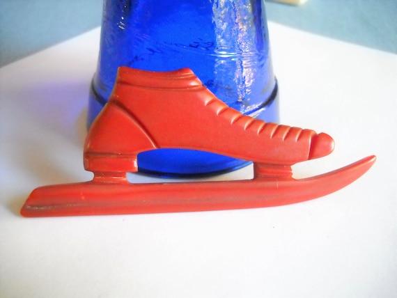 Vintage Bakelite Brooch Ice Skating Red Bakelite B
