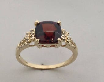 Natural Garnet with Natural Diamond Ring Solid 10kt Yellow Gold. January Birthstone