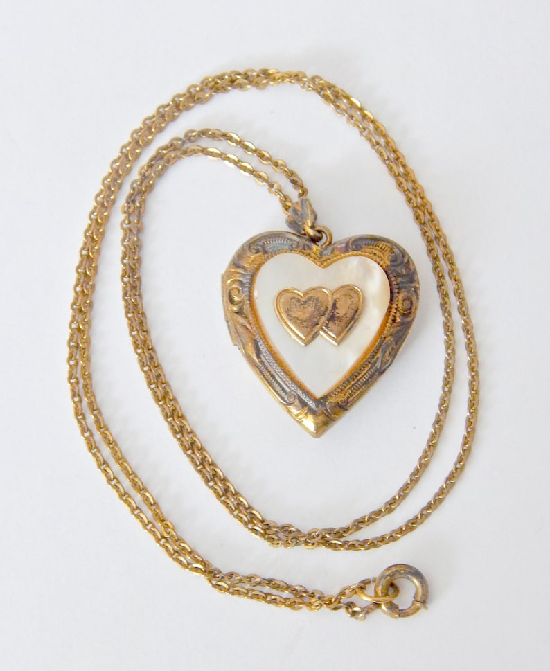 Mother Of Pearl Vintage Heart Locket Necklace 120 12K GF 18 Chain