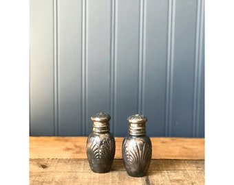 R Wallace & Sons Mfg Co Silver Salt and Pepper Shakers