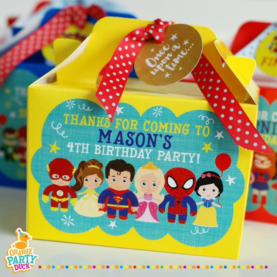 Pack of 12 Marvel Party Bag Fillers Superhero Activity Cards 14cm x 10cm