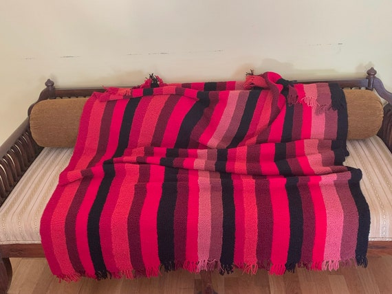 Woollen blanket,cosy comforter, chunky woollen throw, hand knitted couch cover
