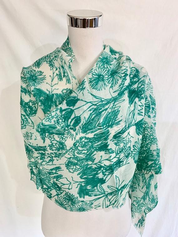 Green n white shawl, green silk wool shawl, all season shawl, casual n formal shawl, women's fashion shawl.