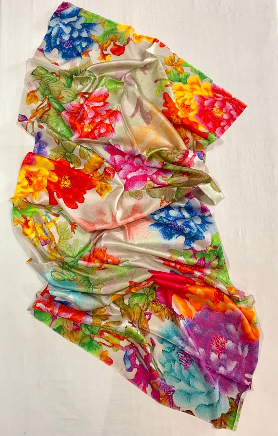 Floral silk shawl, Bright floral pure silk wrap, luxurious silk shawl, spring shawl, formal wear shawl, women's fashion shawl.