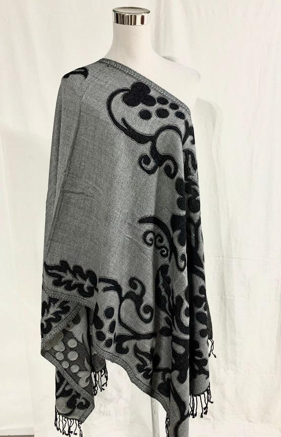 Reversible grey shawl, Grey pure wool shawl, women fashionable shawl, Designer woollen wrap, Black n Grey all season shawl