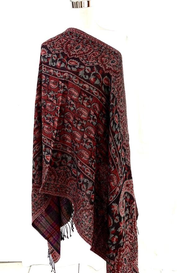 Reversible paisley woollen shawl,2 in one shawl, soft and warm winter shawl, pure wool women wrap, paisley n checks shawl