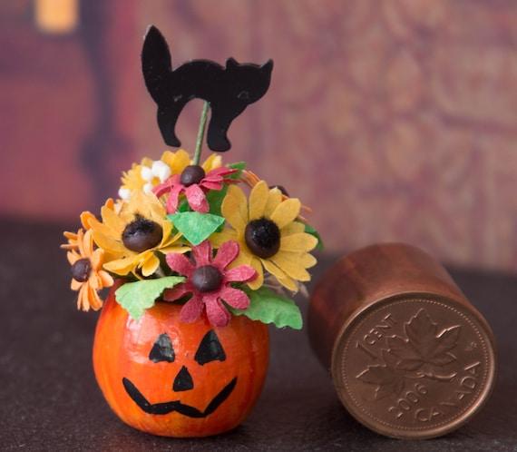 Dollhouse Miniature 1:12 Halloween Pumpkin Flower arrangment OOAK