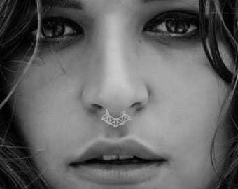 Silver Fake Septum Ring, Fake Nose Ring, Faux Septum, Fake Septum Piercing, Septum Cuff, Clip On Nose Ring