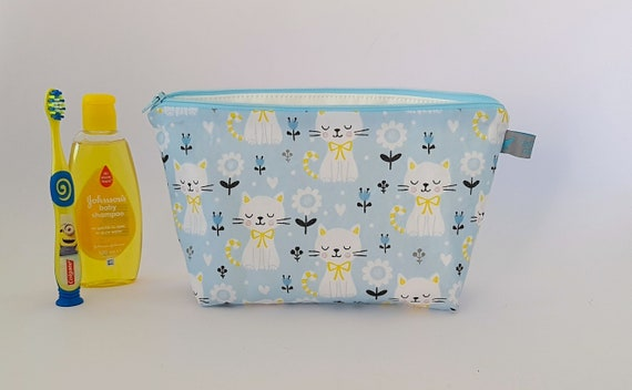 Cats & Flowers Toiletry Bag / Kids Wash Bag