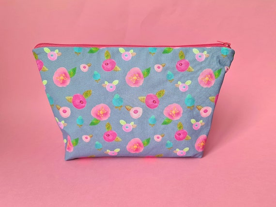 EXCLUSIVE: Large Floral Cosmetic Bag
