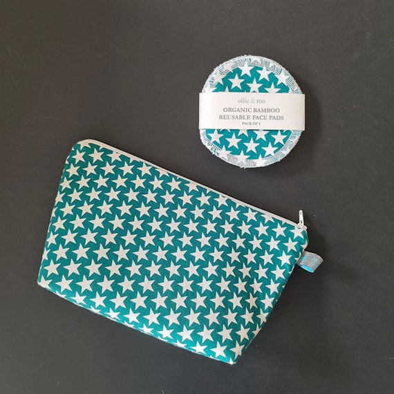 GIFT SET:  Green Star Cosmetic bag + Pack of 4 reusable face wipes