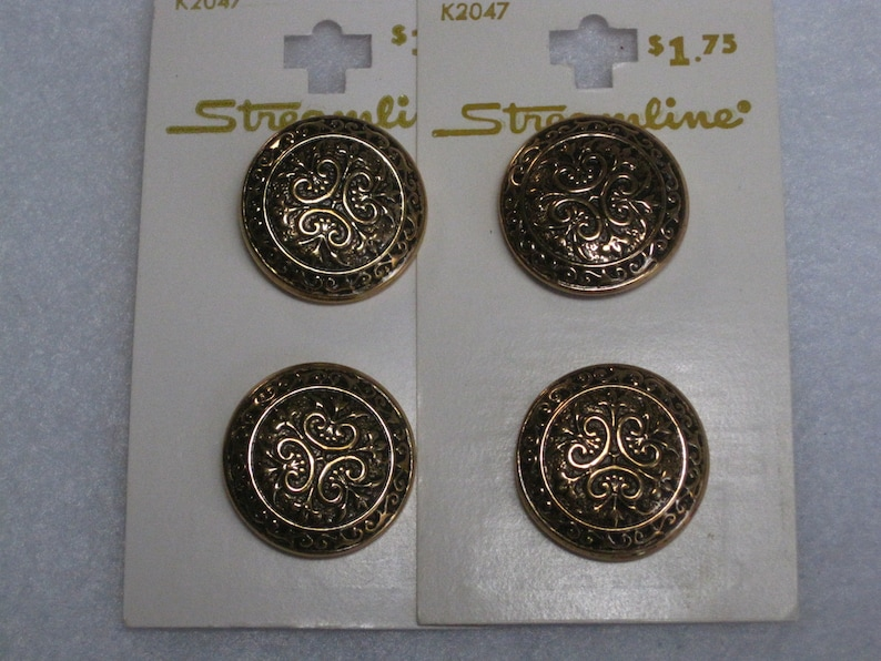 4 Metal Streamline 23mm 78in Size 36 with Metal Shank Gold /& Black Buttons
