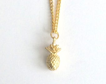 Pineapple necklace, gold necklace, jewellery, jewelry, gift for her, charm necklace