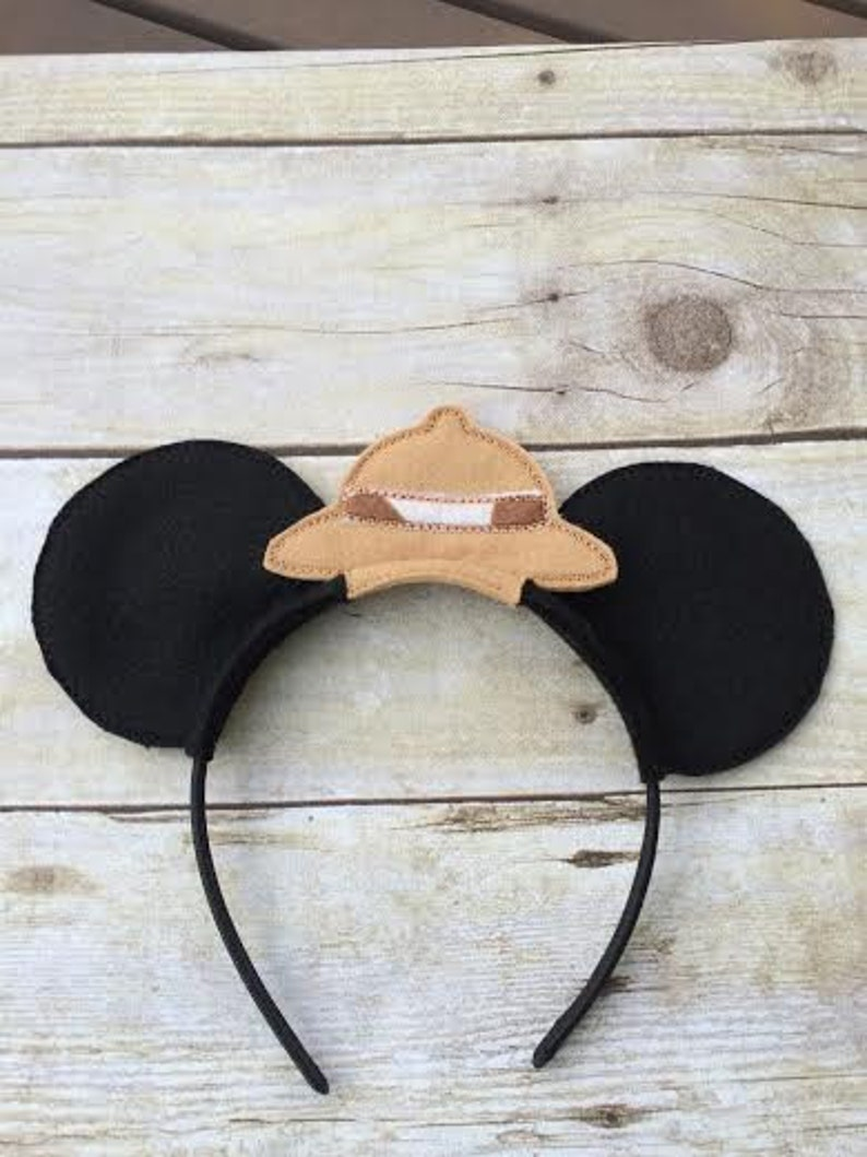 08cb7b6535414 Mickey and Minnie Mouse ears headwear Safari hat giraffe trim