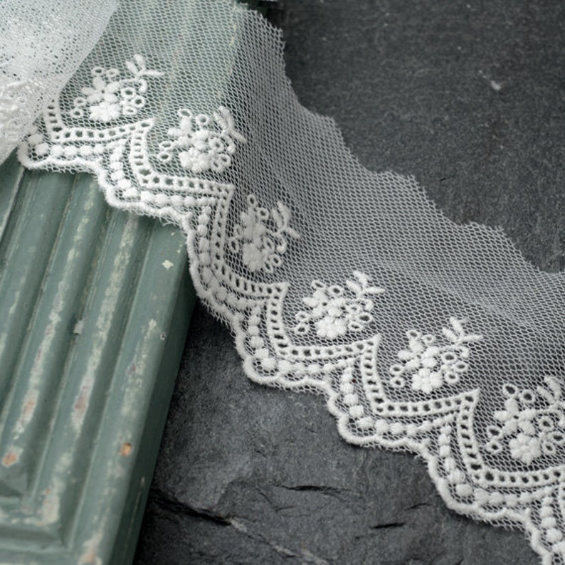 7e68613a7 Vintage Embroidered Lace Trim, 2-1/2 Inch by 2-Yards, Black, Ivory, White,  TR-10966