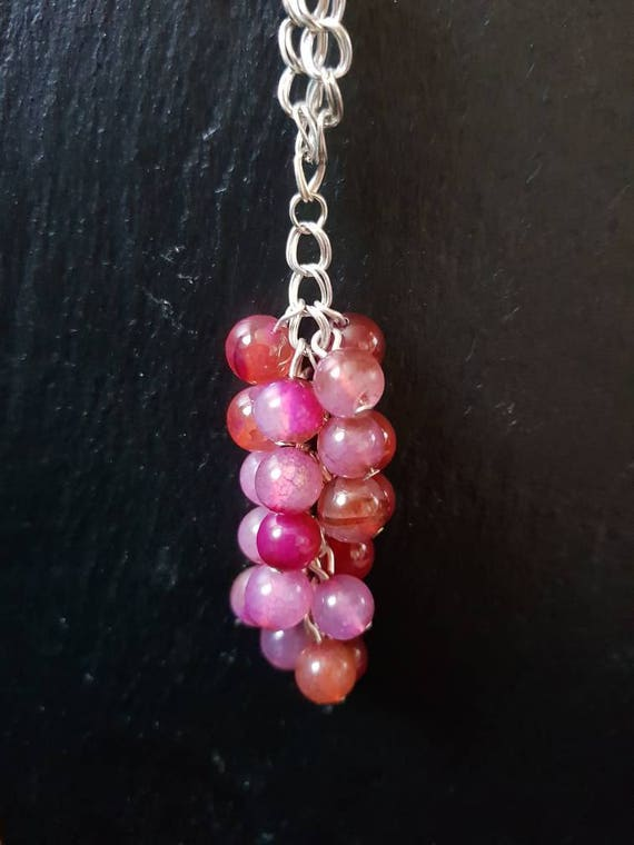 Long Agate necklace in shades of pink and red