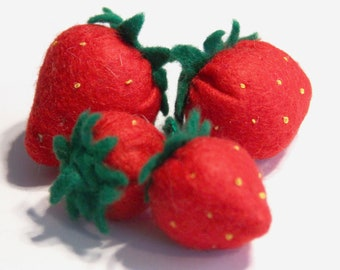 Felt Strawberries made of felt in different sizes for play kitchen, play food, felt food