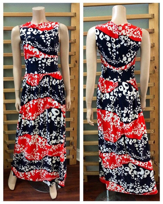 Awesome Vintage 70s Red White and Blue polyester P